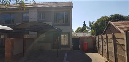 2 Slaapkamer dupleks te huur in Villa Solaria , TheresaPark