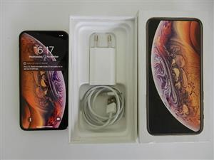 iPhone Xs 256GB - Gold Mint Condition with Glass screen Protector