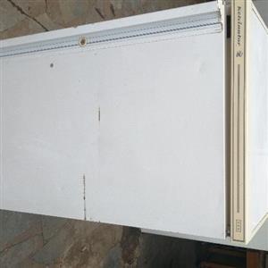 Kelvinator Fridge Freezer 110l working