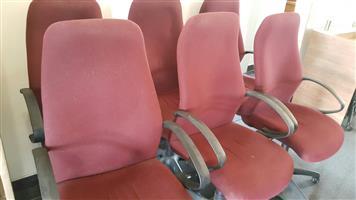 Highback swivel chairs