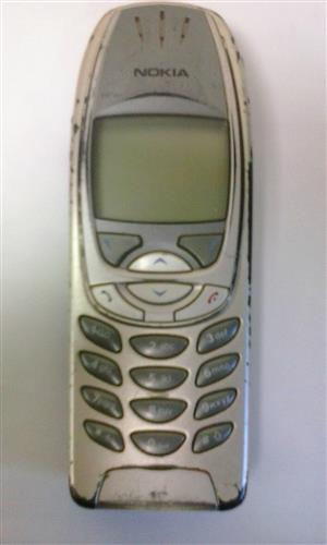 Nokia 6310i - Cellphone selling as SPARE parts