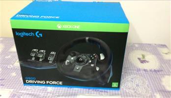 Logitech G920 Steeringwheel and Pedals