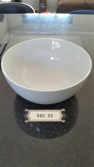 White salad bowl for sale