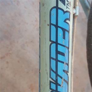 Vintage bicycle Invader