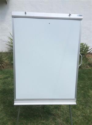 3 in 1, Flipchart/ White Board/Magnetic Board