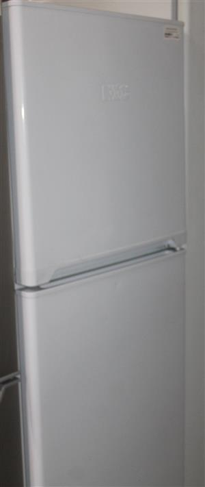 S035653A KIC fridge missing one shelf #Rosettenvillepawnshop