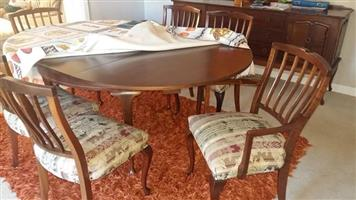 1 x 6 seater antique dining table with 6 chairs