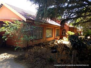 4 Bedroom House with 2 Bedroom Flat on Auction - Fri 29 Nov '19 at 12:00