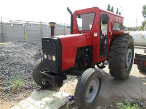 Tractor - ON AUCTION