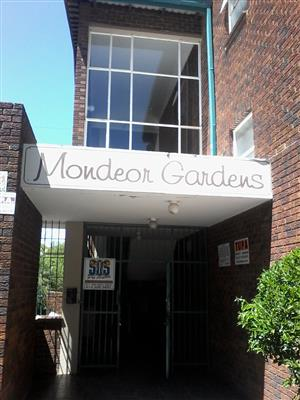 Spacious 2 bed Apartment to rent in Mondeor, Johannesburg South