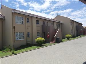 Midrand / Vorna Valley 2 bedroom flat Rosewood