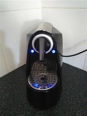 CaffeMilano Expresso coffee machine