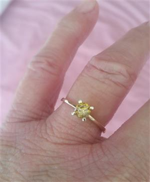 Absolutely  Beautiful Golden Coloured Diamond Ring !