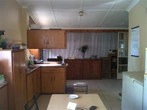 Rietfontein 3 bedr house to rent. Prepaid elec. Reasonable municipal account incl. Garden services incl.