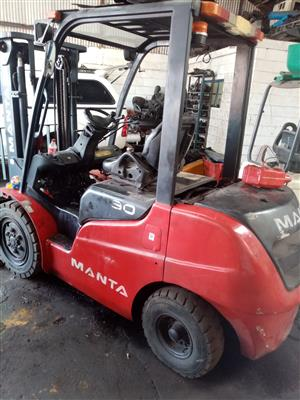 Manta 3 ton diesel forklift low hours fully refurb with a 6 months warentee on the drive train