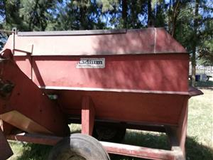 Radium One Cube Feed Mixer for Sale
