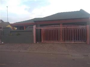 3BEDROOMS AT MABOPANE X EXTENSION AVAILABLE FOR RENT