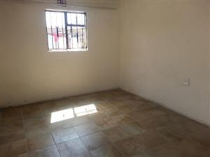 Jabulani Garage to rent