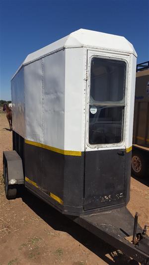 2 berth horsebox