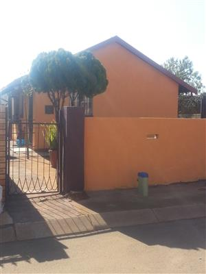 House to let(Available)mabuya Park