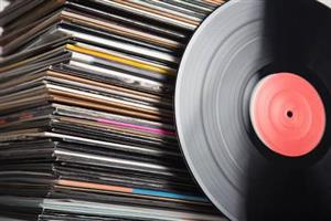 WANTED:VINYL RECORDS,CASETTE TAPES,TURNTABLES,OLD VIDEO GAMES CASH PAID ANYWHERE