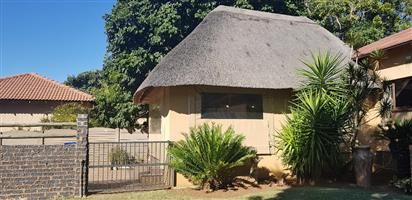 BIG FAMILY HOME WITH A FLAT FOR SALE IN PRETORIA NORTH