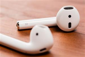 WANTED: Apple Airpods