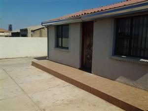 jabulani 2bedroomed house to rent for R3500