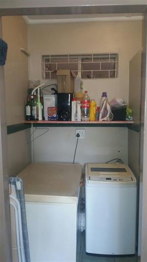 Three bedroom Garden Flat, Two Bathroom ,open plan Kitchen with living room to rent In Mountain view Pretoria