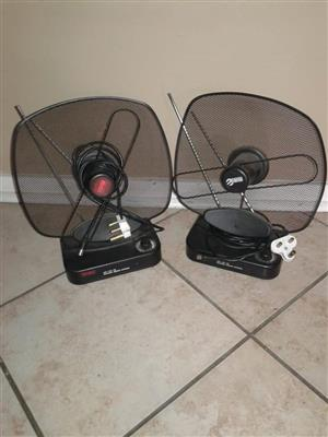 2 Black antenna's for sale