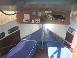 C SHARP SAILING VESSEL . MONOHULL FIXED KEEL ON TRAILER WITH OUTBOARD AND SAILS