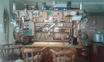 Bar in excellent condition with accessories for sale
