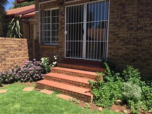Townhouse to Let - Newlands Pretoria East