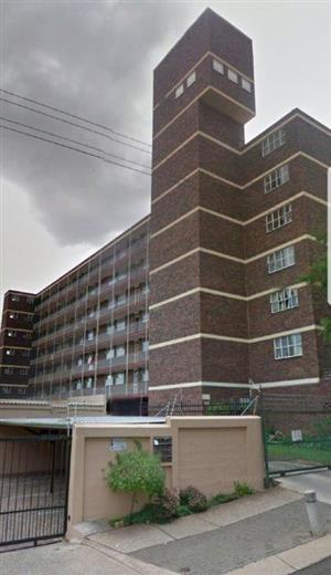 Lovely well maintained spacious 3 bedrooms corner unit in the Wonderboom South area.