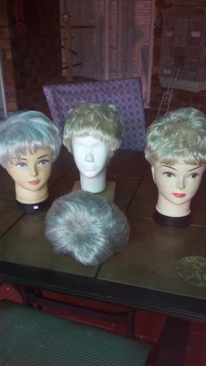 wigs acrylic 2nd hand good condition