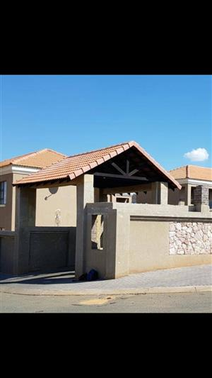 2Beds in Protea North