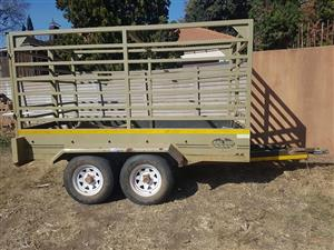 Double axile cattle/animal trailer