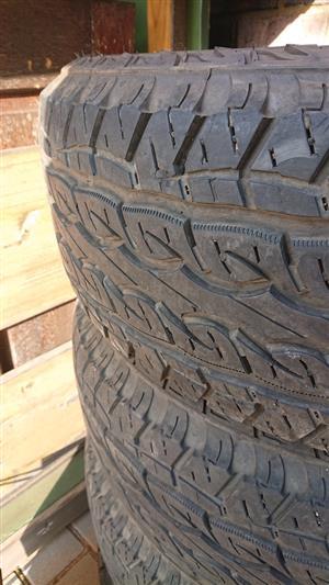 Kumho 285/65/17 all terrain tyres with 70% tread