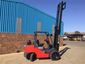 Toyota 3 ton 8series Rough terrain forklift for sale