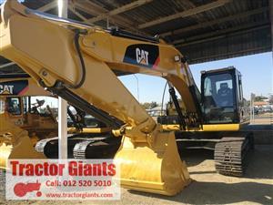 Excavator CAT 329D2L (135)