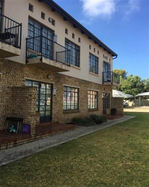 AVAILABLE 1st AUGUST! 1Bed, 1Bath Apartment To Let In Printers Loft, Helderkruin, Roodepoort!