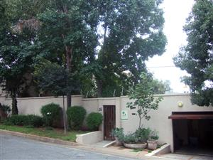 Parkhurst Auction 3 bed en suite home with flatlet and pool