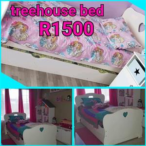Treehouse single bed comes with pull out bed draw