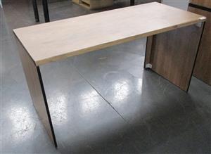 Straight desk with panel leg 2 Tone