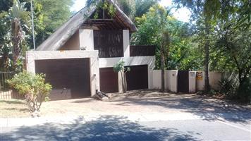 Wapadrand newly thatched family house