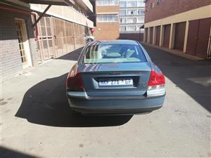 2002 Volvo S60 2.0T automatic