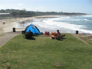 SHELLY BEACH SPACIOUS 1 BEDROOM FULLY FURNISHED GROUND FLOOR FLAT FROM R2000 PER WEEK, UVONGO, ST MICHAELS-ON-SEA