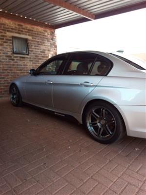 2009 BMW 3 Series 320i Edition M Sport Shadow