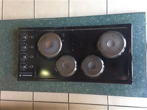 Kelvinator 4 plate electrical stove.