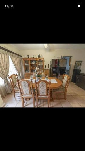 Solid Oak dining room suite for sale